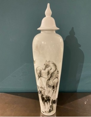 Porcelain container: Horse painting